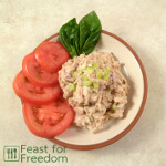 Tuna salad with basil and tomatoes
